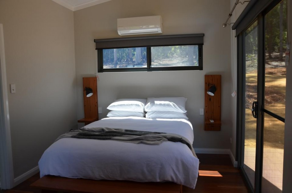 bedroom tingle cabin